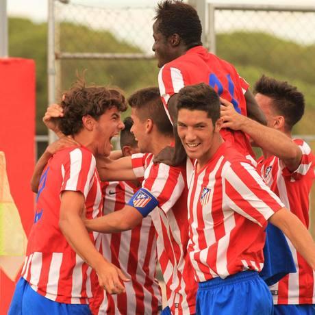 Club atl tico de madrid web oficial el cadete a gole for Oficinas atletico de madrid