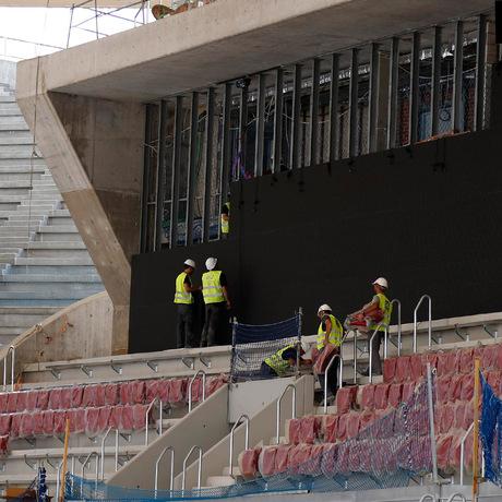 Club atl tico de madrid comienza la instalaci n de los for Puerta 3 wanda metropolitano
