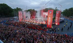 Temp 17/18 | Atlético de Madrid y Atlético de Madrid Femenino | 18-05-18 | Neptuno | Escenario
