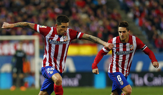 temporada 13/14. Partido Atlético Real Sociedad. Sosa con el balón